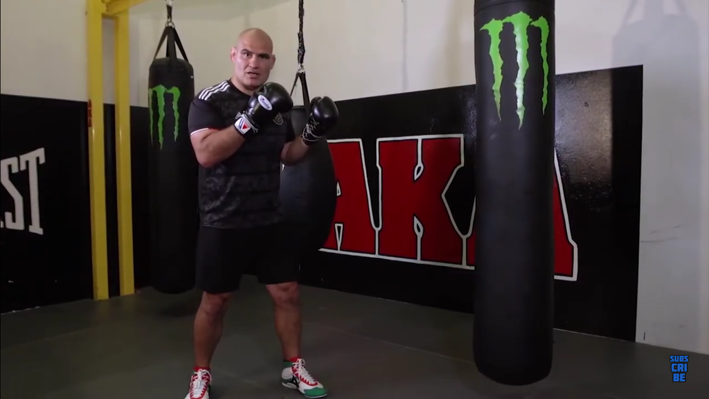 Controlling Distance Using The Jab With Cain Velasquez