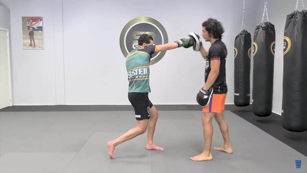 How To Throw A Rear Straight With Ilias Ennahachi