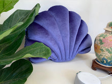 Load image into Gallery viewer, Shelly Velvet Seashell Pillow