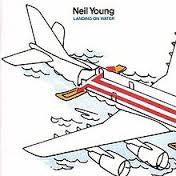YOUNG NEIL-LANDING ON WATER LP EX COVER  VG+