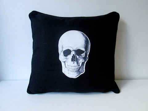 SKULL CUSHION BLACK-EYE CANDY *NEW*