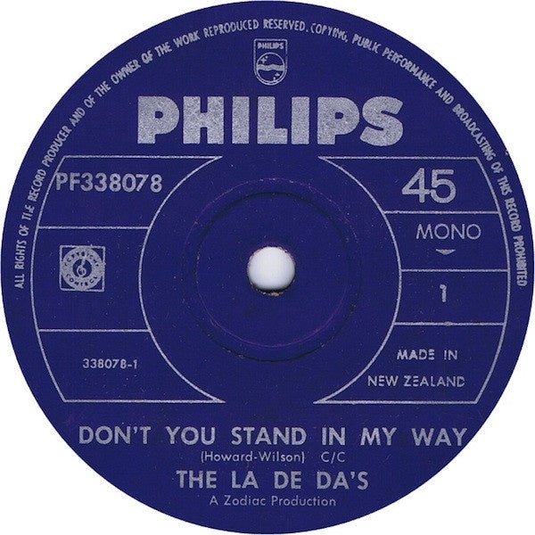 LA DE DA'S THE-DON'T YOU STAND IN MY WAY 7'' SINGLE VG