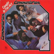 COMMODORES-CAUGHT IN THE ACT VG COVER VG