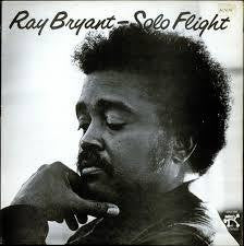 BRYANT RAY-SOLO FLIGHT LP VGPLUS COVER VEX