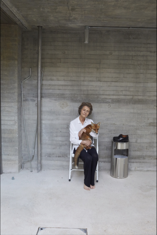 Charlotte Rampling, A fox and a plate (2016)