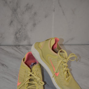Primary Photo - BRAND: NIKE STYLE: SHOES ATHLETIC COLOR: YELLOW SIZE: 9 SKU: 186-186217-7023