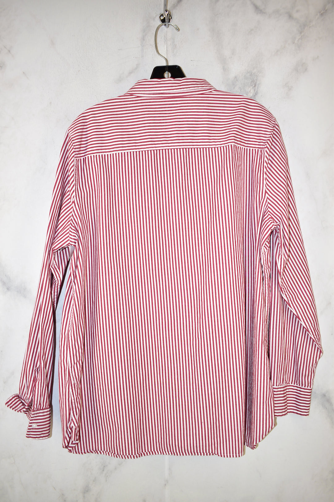 Photo #1 - BRAND: GAP <BR>STYLE: TOP LONG SLEEVE <BR>COLOR: STRIPED <BR>SIZE: XL <BR>SKU: 186-186205-550