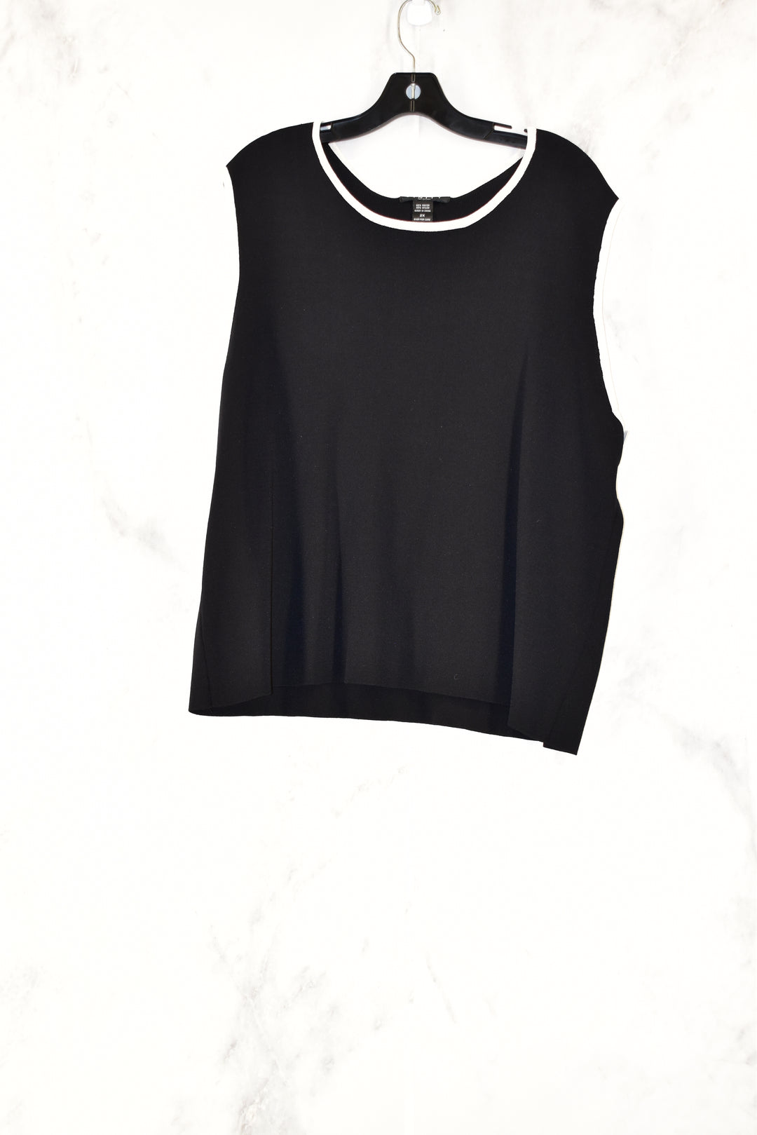 Primary Photo - BRAND: FINITY<BR>STYLE: TOP SLEEVELESS<BR>COLOR: BLACK<BR>SIZE: 2X<BR>SKU: 186-186104-11892