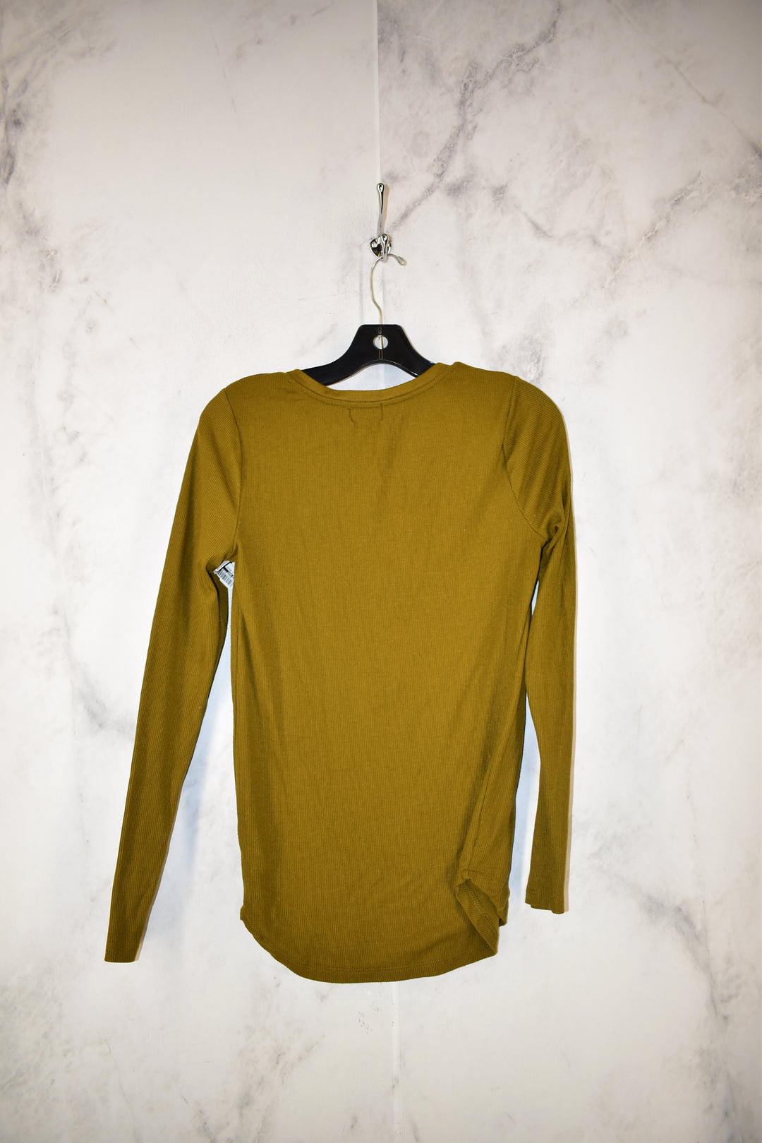 Photo #1 - BRAND: OLD NAVY <BR>STYLE: TOP LONG SLEEVE BASIC <BR>COLOR: OLIVE <BR>SIZE: M <BR>SKU: 186-186221-831