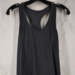 Primary Photo - BRAND:    CLOTHES MENTOR STYLE: ATHLETIC TANK TOP COLOR: GREY SIZE: M SKU: 186-186106-11613