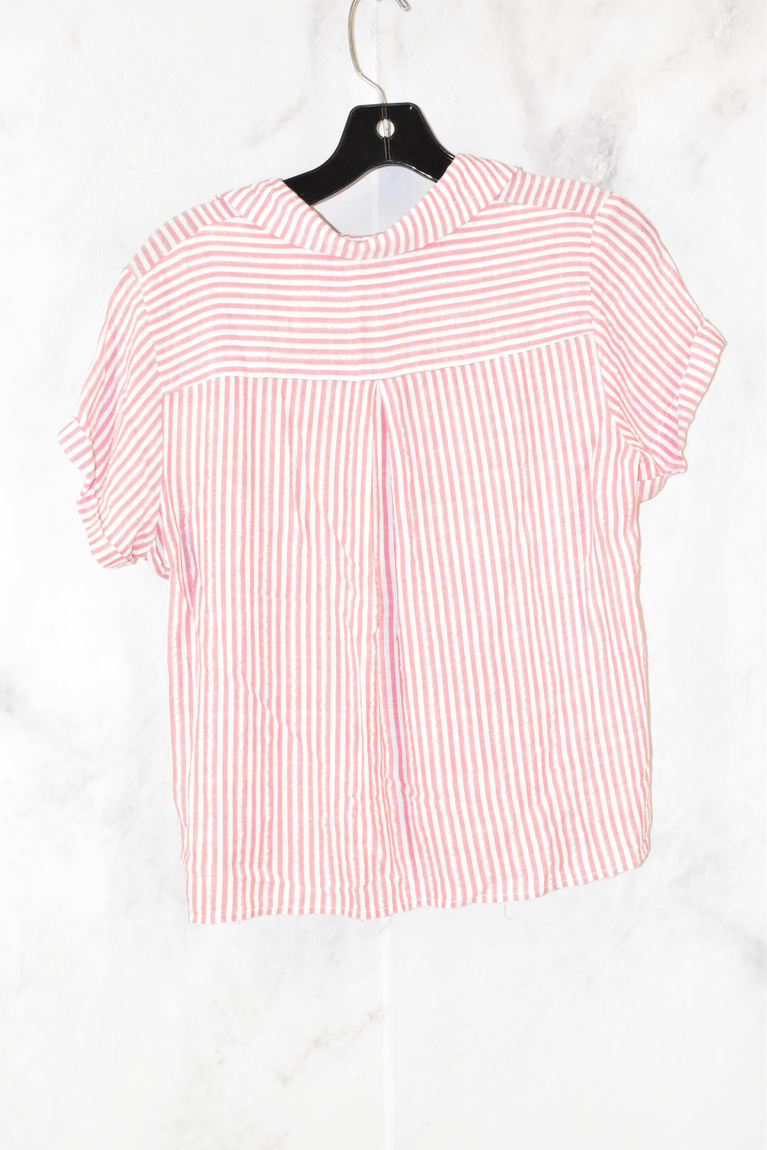 Photo #1 - BRAND: UNIVERSAL THREAD <BR>STYLE: TOP SHORT SLEEVE <BR>COLOR: STRIPED <BR>SIZE: M <BR>SKU: 186-186106-7598