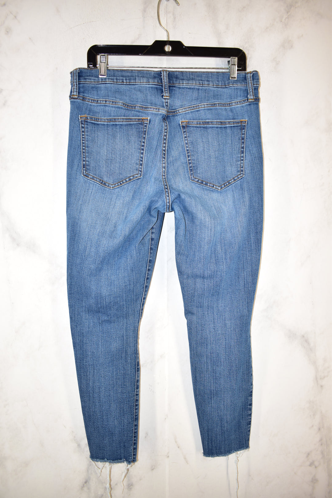 Photo #1 - BRAND: GAP <BR>STYLE: JEANS <BR>COLOR: DENIM <BR>SIZE: 31 <BR>SKU: 186-186106-9674
