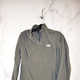 Primary Photo - BRAND: NORTHFACE STYLE: ATHLETIC JACKET COLOR: GREY SIZE: M SKU: 186-186167-25251