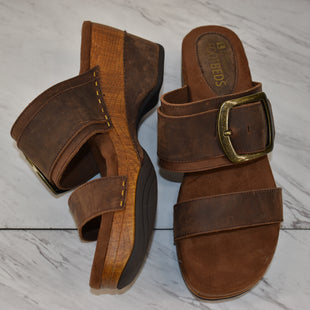 Primary Photo - BRAND: WHITE MOUNTAIN STYLE: SANDALS HIGH COLOR: BROWN SIZE: 9.5 SKU: 186-186167-30898