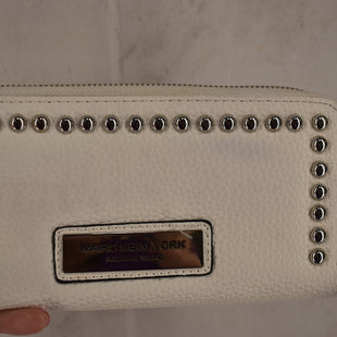 Primary Photo - BRAND: MARC NEW YORK STYLE: WALLET COLOR: WHITE SIZE: LARGE SKU: 186-186106-12084