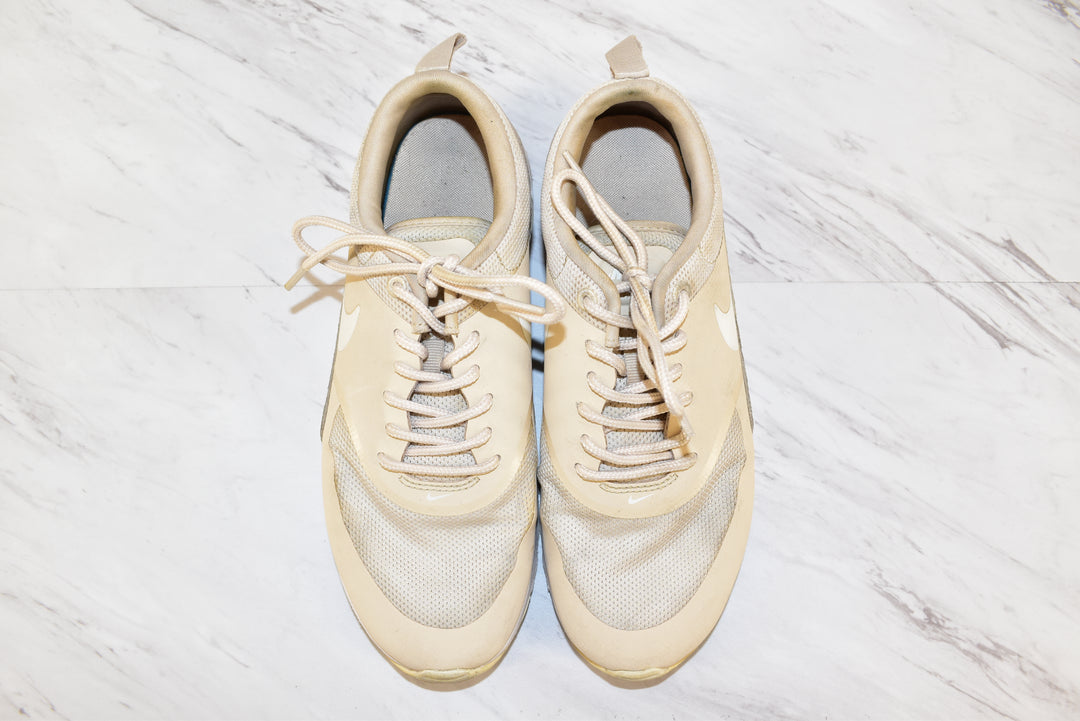 Primary Photo - BRAND: NIKE <BR>STYLE: SHOES ATHLETIC <BR>COLOR: TAN <BR>SIZE: 7 <BR>SKU: 186-186106-7380
