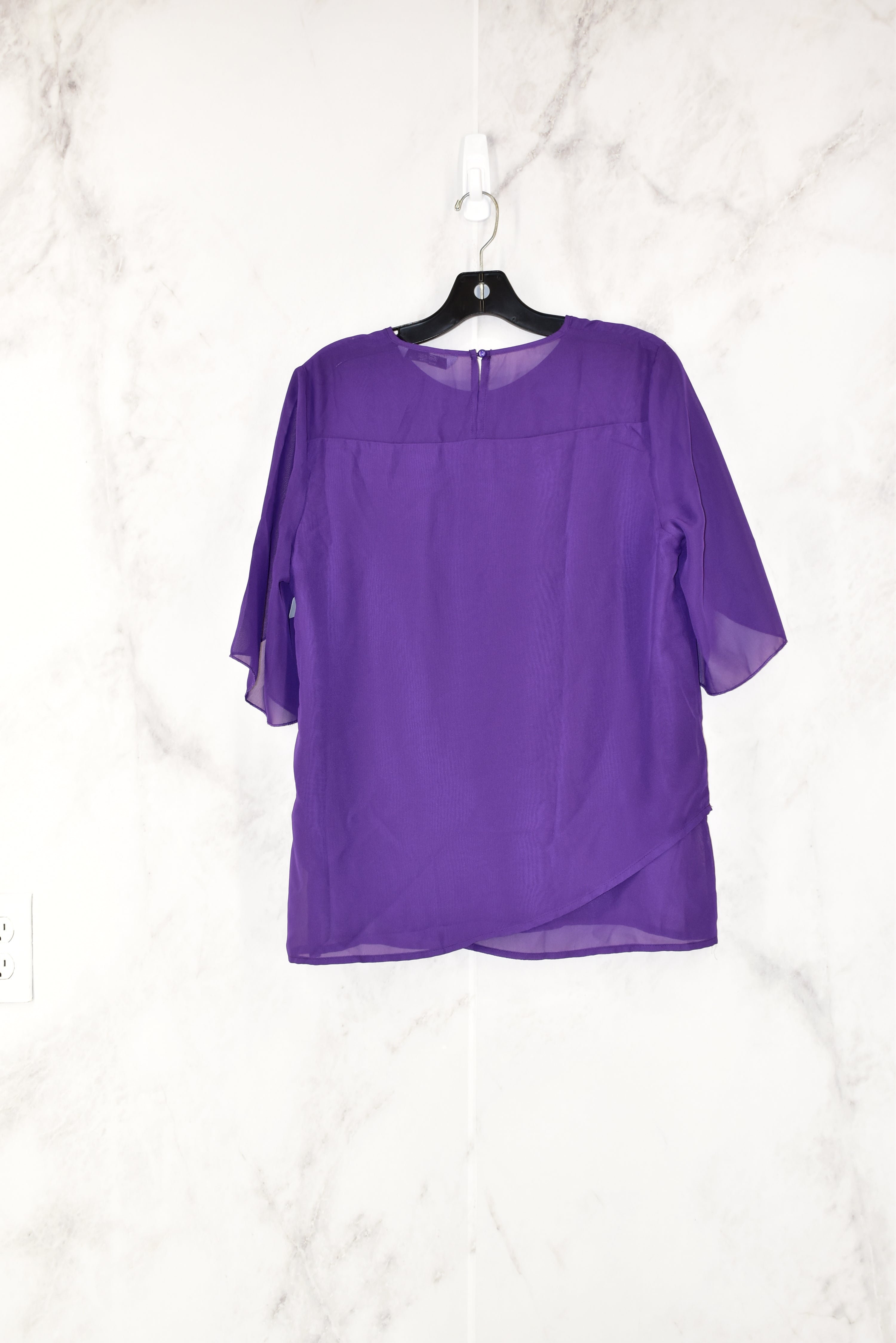 Photo #1 - BRAND:    CLOTHES MENTOR<BR>STYLE: TOP SHORT SLEEVE<BR>COLOR: PURPLE<BR>SIZE: M<BR>OTHER INFO: MEANEOR -<BR>SKU: 186-186106-7199