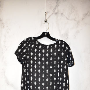 Primary Photo - BRAND:    CLOTHES MENTOR STYLE: TOP SHORT SLEEVE COLOR: ANIMAL PRINT SIZE: S SKU: 186-186213-6679