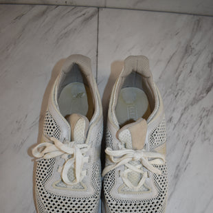 Primary Photo - BRAND: GUESS STYLE: SHOES ATHLETIC COLOR: GREY SIZE: 9 SKU: 186-186228-78