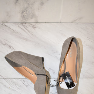 Primary Photo - BRAND: EXPRESS STYLE: SHOES HIGH HEEL COLOR: GREY SIZE: 10 OTHER INFO: NEW! SKU: 186-186167-28053