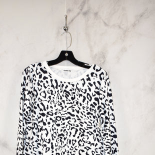 Primary Photo - BRAND:    CLOTHES MENTOR STYLE: TOP LONG SLEEVE COLOR: ANIMAL PRINT SIZE: S OTHER INFO: NEW! SKU: 186-186167-27840