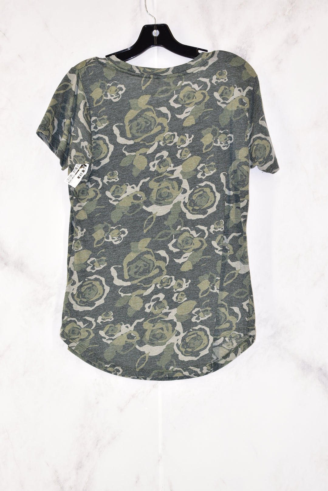 Photo #1 - BRAND: ALTARD STATE<BR>STYLE: TOP SHORT SLEEVE<BR>COLOR: CAMOFLAUGE<BR>SIZE: S<BR>SKU: 186-186167-18712
