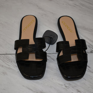Primary Photo - BRAND:    CLOTHES MENTOR STYLE: SANDALS FLAT COLOR: BLACK SIZE: 8 SKU: 186-186167-30861
