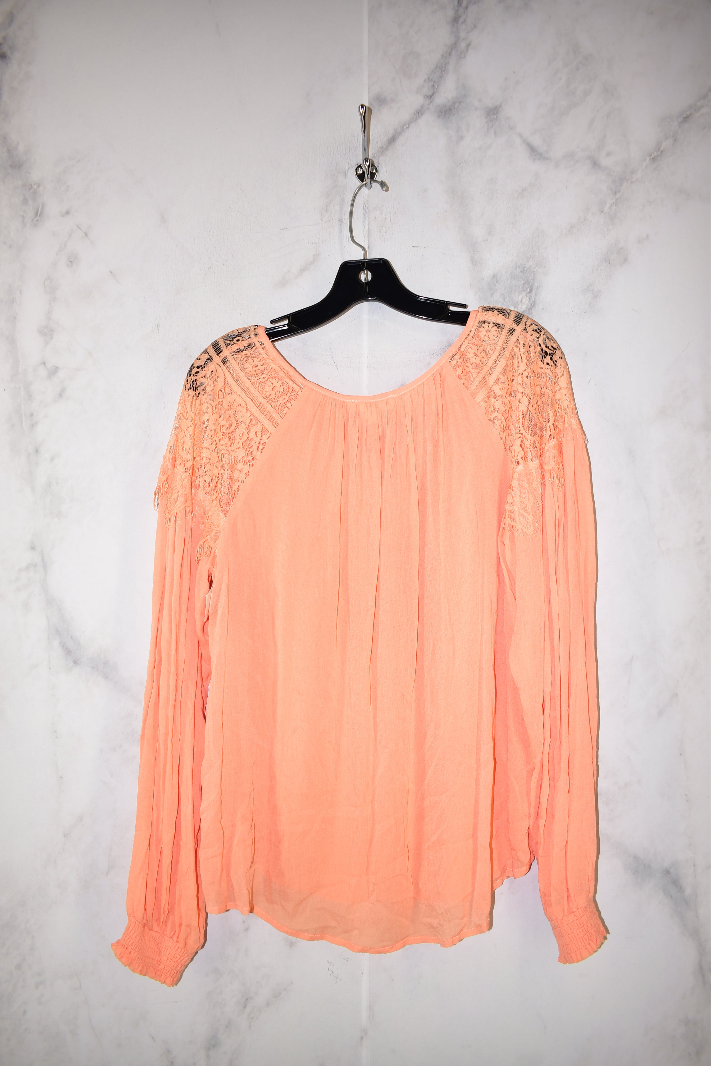 Photo #1 - BRAND: ENTRO <BR>STYLE: TOP LONG SLEEVE <BR>COLOR: ORANGE <BR>SIZE: M <BR>SKU: 186-186213-6170