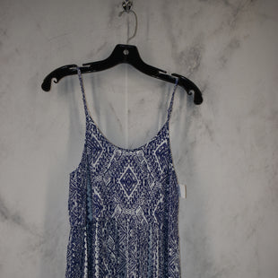 Primary Photo - BRAND:    CLOTHES MENTOR STYLE: DRESS SHORT SLEEVELESS COLOR: BLUE SIZE: M OTHER INFO: PARADISE - SKU: 186-186217-7714
