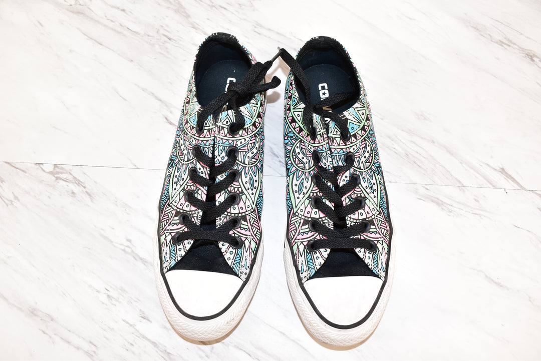 Primary Photo - BRAND: CONVERSE <BR>STYLE: SHOES FLATS <BR>COLOR: MULTI <BR>SIZE: 8 <BR>SKU: 186-186167-22315