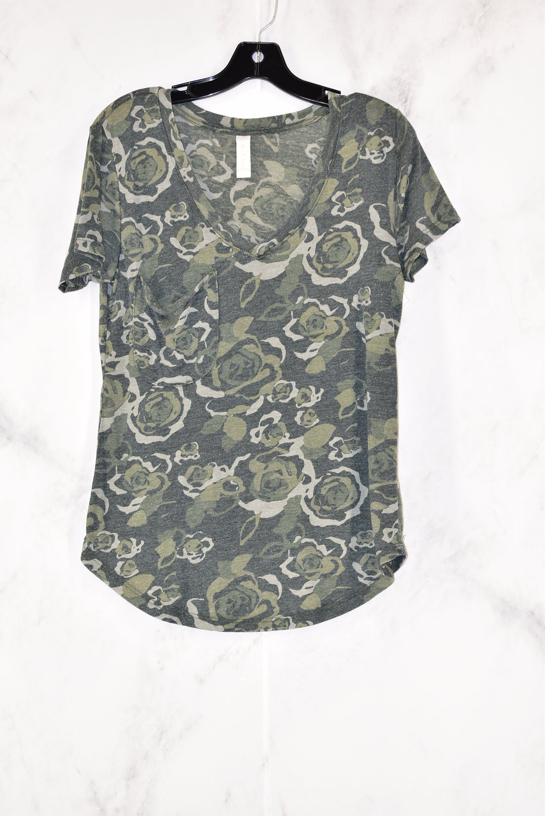 Primary Photo - BRAND: ALTARD STATE<BR>STYLE: TOP SHORT SLEEVE<BR>COLOR: CAMOFLAUGE<BR>SIZE: S<BR>SKU: 186-186167-18712