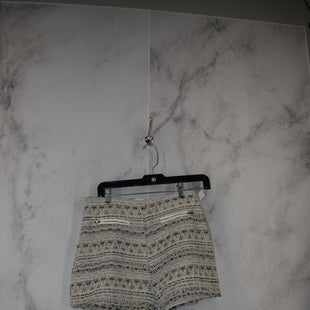 Primary Photo - BRAND: ENTRO STYLE: SHORTS COLOR: SILVER SIZE: L SKU: 186-186199-372