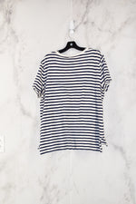 Photo #1 - BRAND: OLD NAVY<BR>STYLE: TOP SHORT SLEEVE<BR>COLOR: WHITE BLUE<BR>SIZE: L<BR>SKU: 186-186179-6815