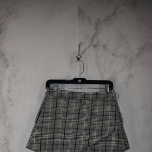 Primary Photo - BRAND:    CLOTHES MENTOR STYLE: SHORTS COLOR: PLAID SIZE: M OTHER INFO: DO+BE - SKU: 186-186199-368