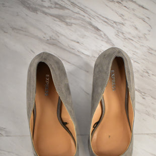 Primary Photo - BRAND: EXPRESS STYLE: SHOES HIGH HEEL COLOR: GREY SIZE: 7 SKU: 186-186200-2260