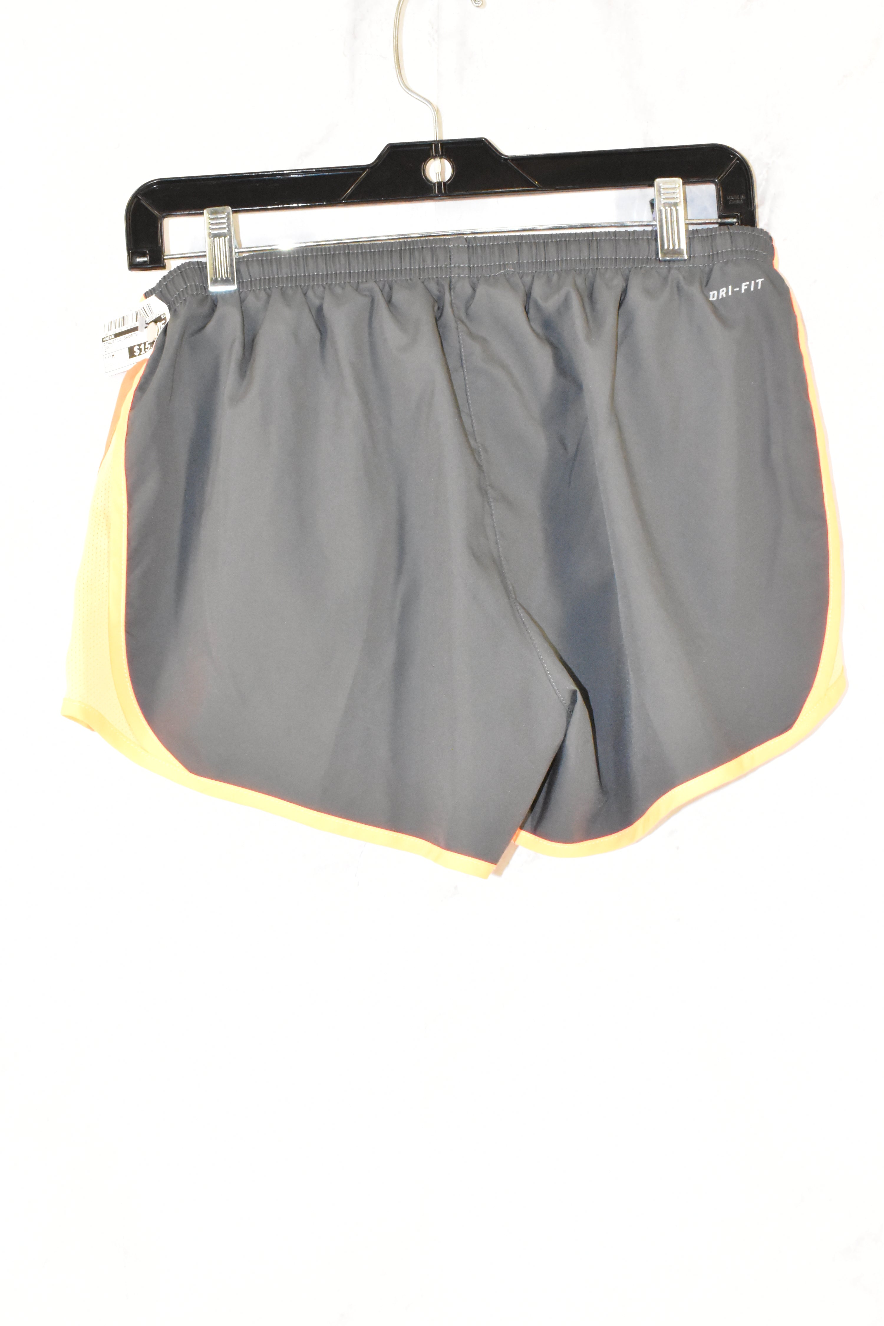 Photo #1 - BRAND: NIKE <BR>STYLE: ATHLETIC SHORTS <BR>COLOR: GREY <BR>SIZE: M <BR>SKU: 186-186106-7618