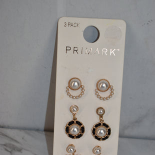Primary Photo - BRAND: PRIMARK STYLE: EARRINGS COLOR: PEARL SIZE: 03 PIECE SET SKU: 186-186217-7561
