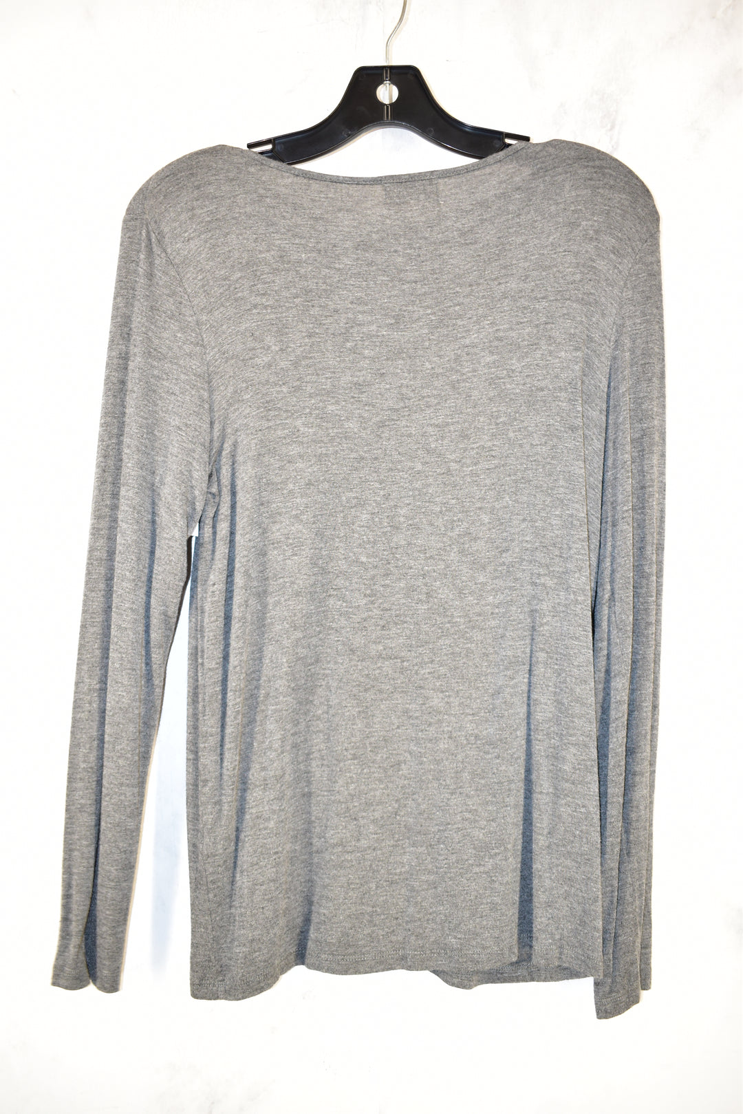 Photo #1 - BRAND: GLITZ <BR>STYLE: TOP LONG SLEEVE <BR>COLOR: GREY <BR>SIZE: L <BR>SKU: 186-186199-82