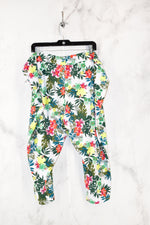 Photo #1 - BRAND: TERRA & SKY <BR>STYLE: ATHLETIC CAPRIS <BR>COLOR: FLORAL <BR>SIZE: 4X <BR>SKU: 186-186106-7392