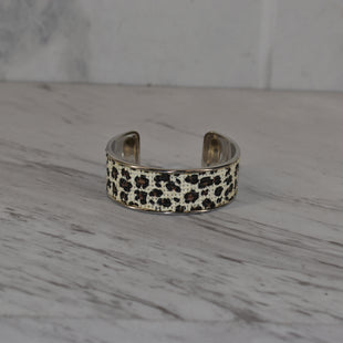 Primary Photo - BRAND:    CLOTHES MENTOR STYLE: BRACELET COLOR: ANIMAL PRINT SKU: 186-186167-31143