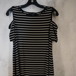 Primary Photo - BRAND: WHITE HOUSE BLACK MARKET STYLE: DRESS SHORT SHORT SLEEVE COLOR: BLACK WHITE SIZE: M SKU: 186-186230-60