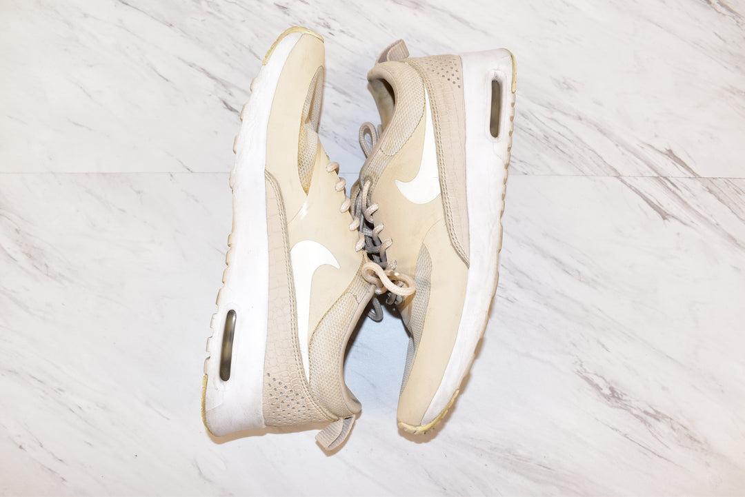 Photo #1 - BRAND: NIKE <BR>STYLE: SHOES ATHLETIC <BR>COLOR: TAN <BR>SIZE: 7 <BR>SKU: 186-186106-7380