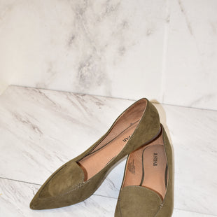 Primary Photo - BRAND: JUST FAB STYLE: SHOES FLATS COLOR: OLIVE SIZE: 9 SKU: 186-186167-28050