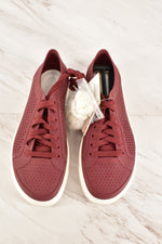 Primary Photo - BRAND: CROCS <BR>STYLE: SHOES FLATS <BR>COLOR: MAROON <BR>SIZE: 9 <BR>SKU: 186-186213-3540