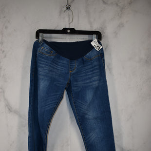 Primary Photo - BRAND:    CLOTHES MENTOR STYLE: MATERNITY JEANS COLOR: DENIM SIZE: M SKU: 186-186167-30825