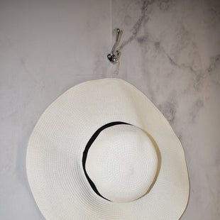 Primary Photo - BRAND: TARGET STYLE: HAT COLOR: WHITE SKU: 186-186217-2206
