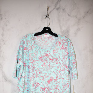 Primary Photo - BRAND: LULAROE STYLE: TOP SHORT SLEEVE COLOR: DISNEY SIZE: M OTHER INFO: IRMA NWT SKU: 186-186167-27195