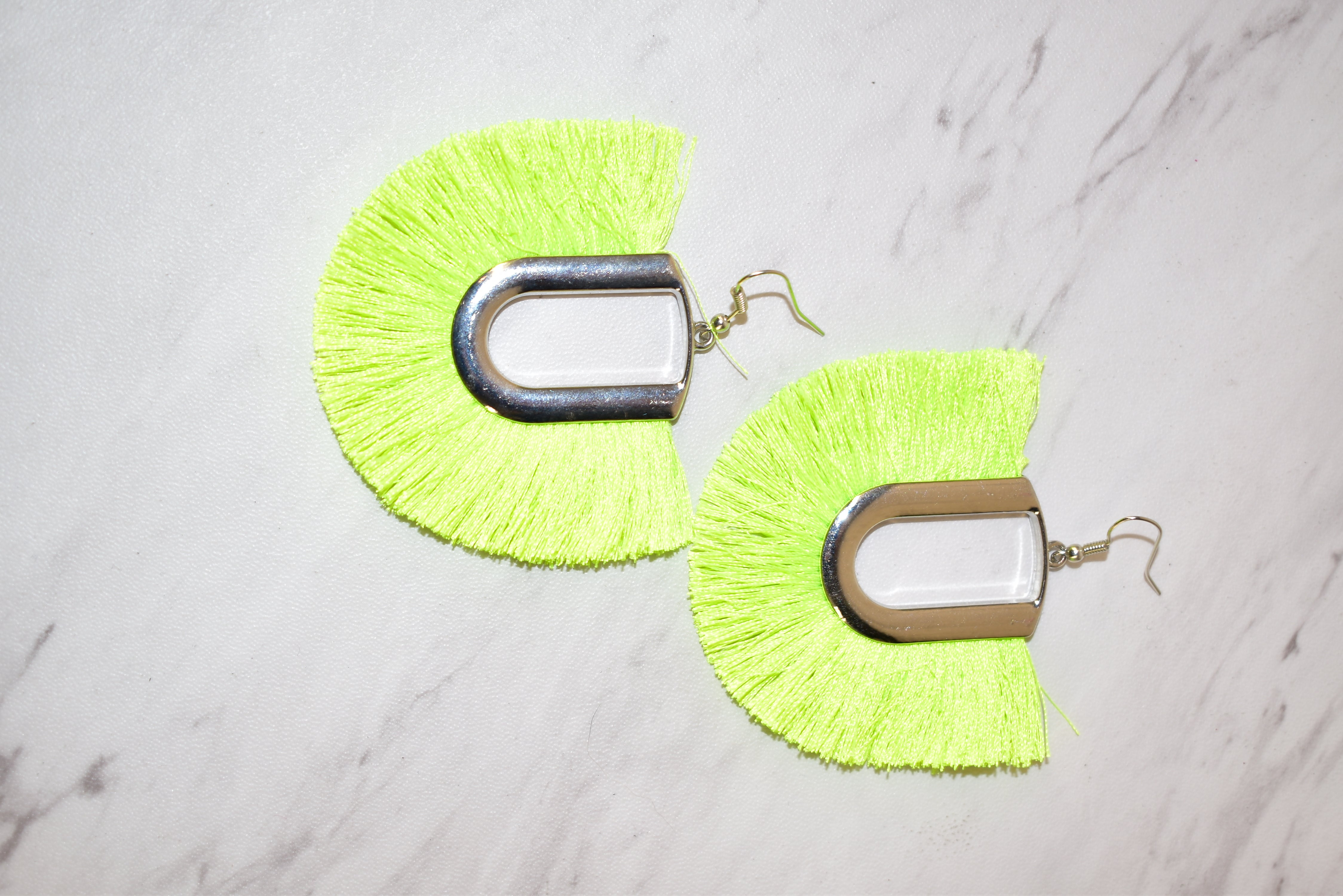 Primary Photo - BRAND:    CLOTHES MENTOR <BR>STYLE: EARRINGS <BR>COLOR: GREEN <BR>SKU: 186-186217-4336