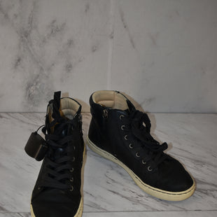 Primary Photo - BRAND: UGG STYLE: SHOES ATHLETIC COLOR: BLACK SIZE: 8 SKU: 186-186217-6650