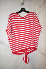 Photo #1 - BRAND: EXPRESS <BR>STYLE: TOP SHORT SLEEVE <BR>COLOR: RED WHITE <BR>SIZE: XS <BR>SKU: 186-186217-3665